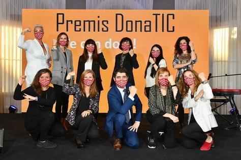 Dues alumnis de l'ETSETB guardonades amb els Premis Dona TIC 2020